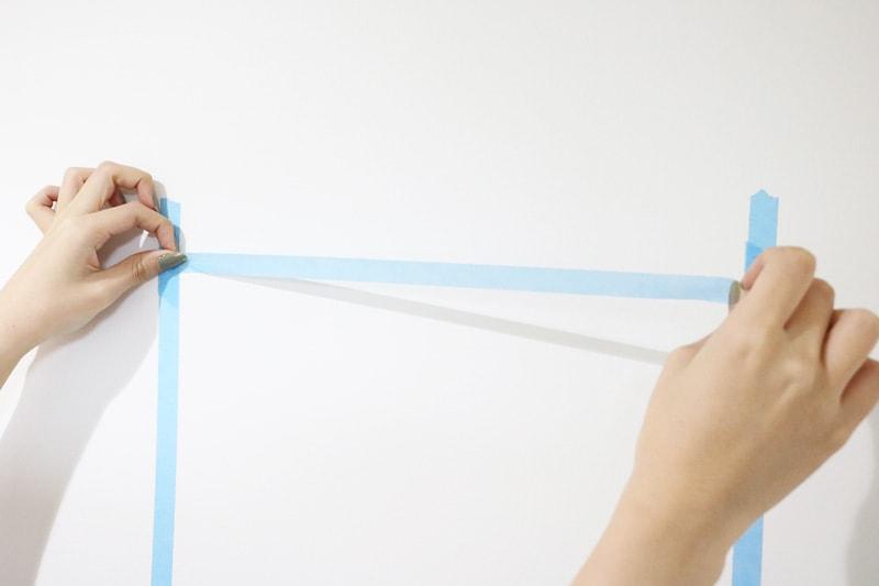 ツメ金具を使用した鏡の取付方法(2)