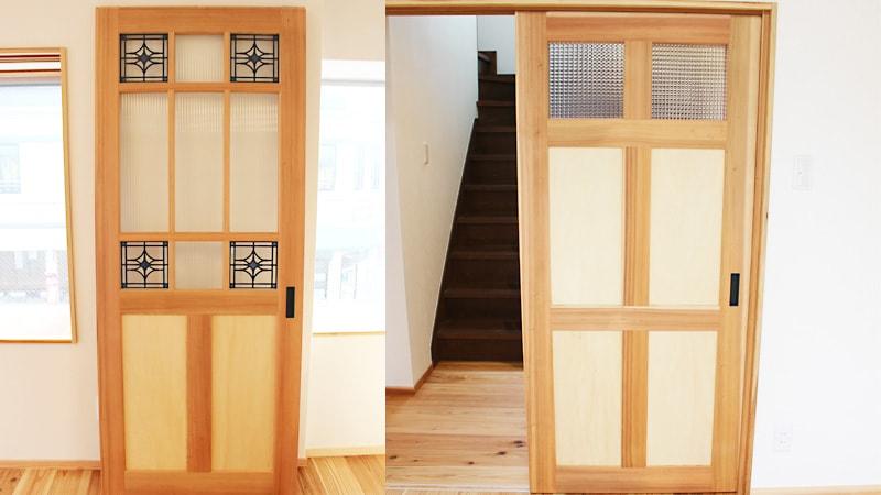 ドア窓に「ステンドグラス」と「デザインガラス」を使用した事例(三重県南牟婁郡 E社様)のお写真