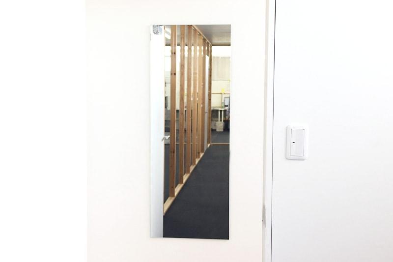 速乾ボンド・ミラーマット・ミラーボンドを使用した鏡の取り付け方(15)