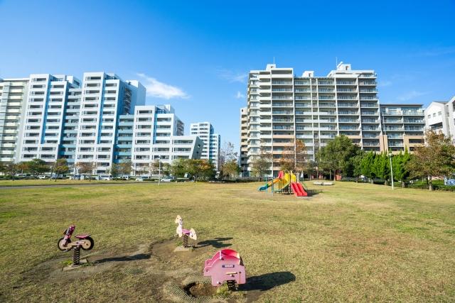 マンション群と公園