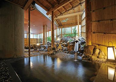 開湯500年以上の歴史を誇るかみのやま温泉の名湯を堪能