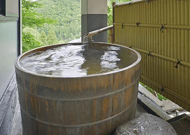 3つの源泉と8つのお風呂。館内で湯めぐりを実現
