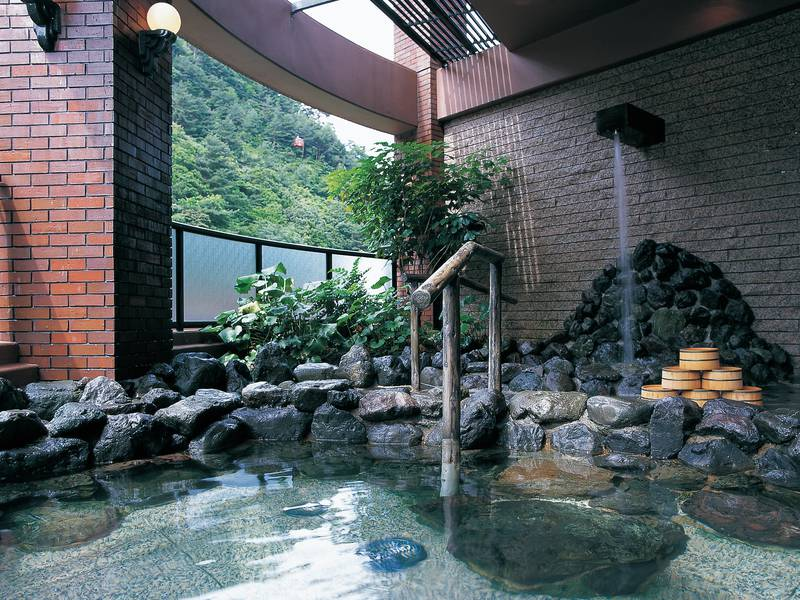 オテル・ド・マロニエ湯の山温泉