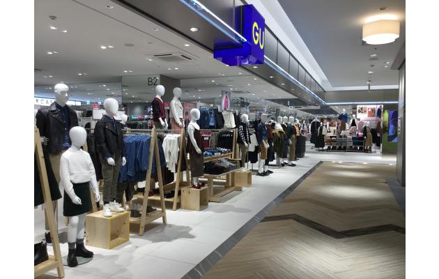 デジタルファッションストアGU港北ノースポートモール店・日本初!!高見栄するハンガー登場