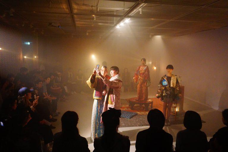SHOW _ARCHIVE SINA SUIEN 新作発表会「こしょろがみた夢」