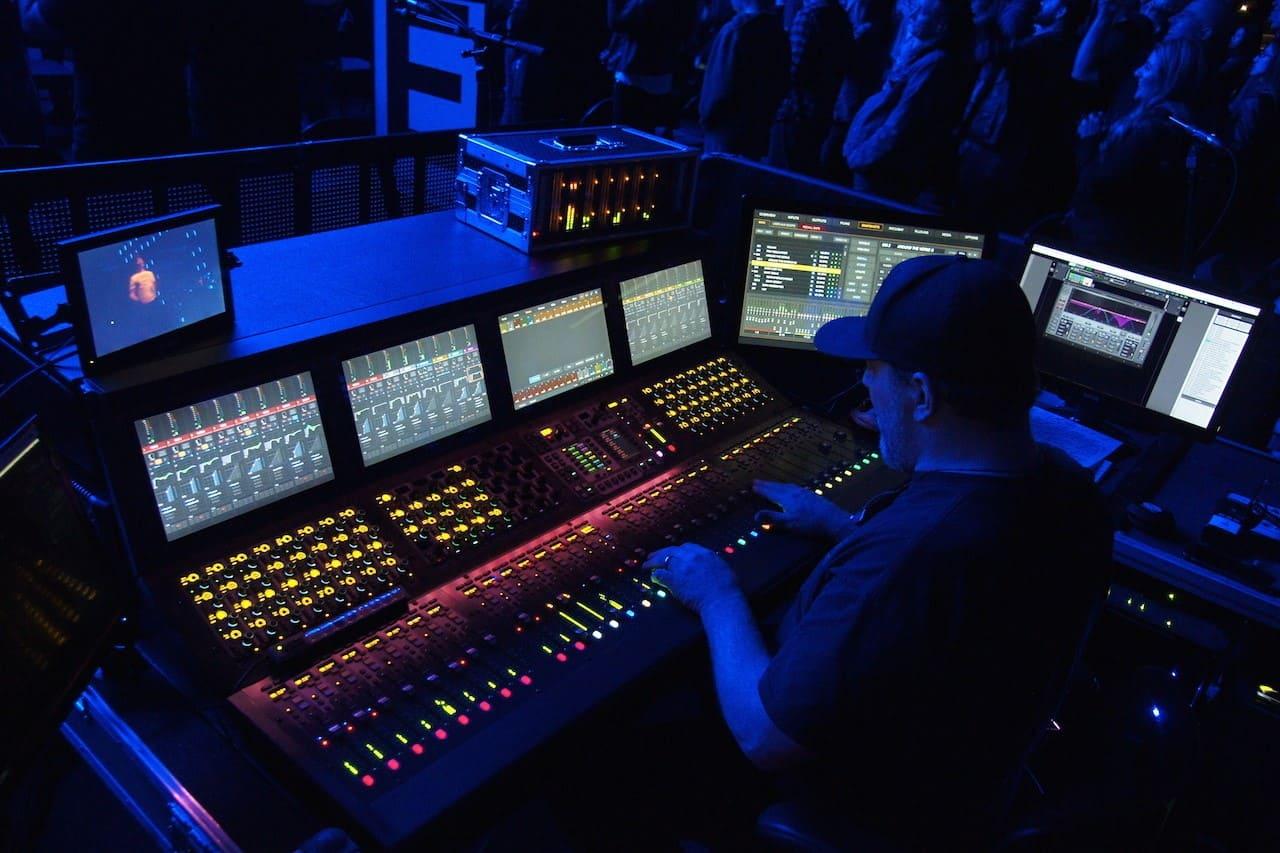 Waves MultiRack内のプラグインを外部MIDIコントローラーで操作する。