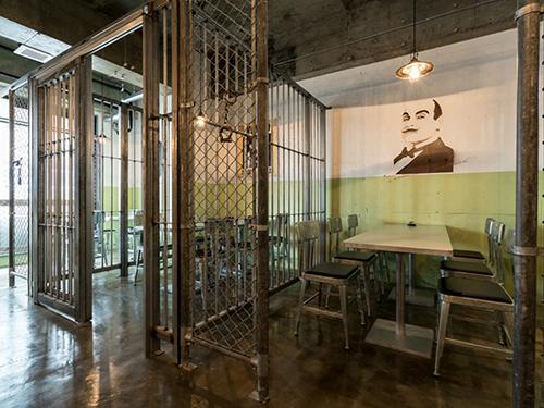 刑務所レストランの画像3