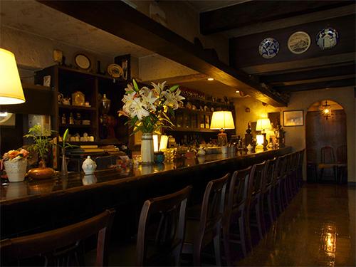 カフェスタジオ六本木 明泉ビル2Fの画像1