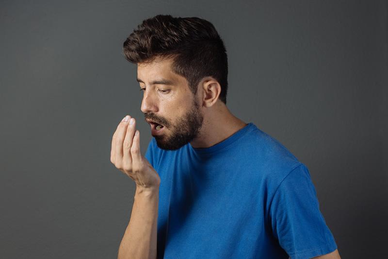 意外だった?口臭を生み出す食べ物、口臭を抑える食べ物