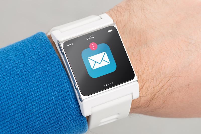 普段時計をしない方にもスマートウォッチはオススメですよ