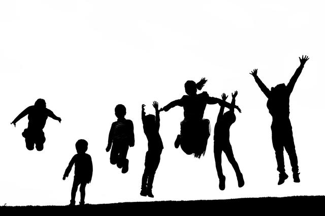 岸洋佑【僕への挑戦状】MVを解説!仲間と過ごす楽しい時間に笑顔あふれる!仲間入りしたくなるかも…?の画像