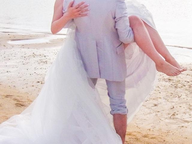 白い ドレス 花 の 冠 歌詞