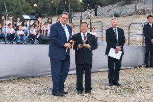 中華奧會榮獲國際奧林匹克學院獎座 國際奧會主席親自道賀