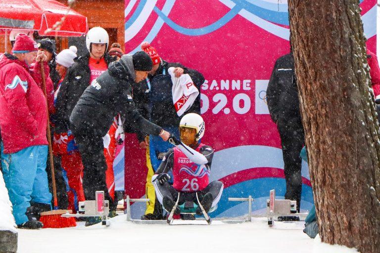 教練雪橇助威 楊仕勛勇闖冬青奧