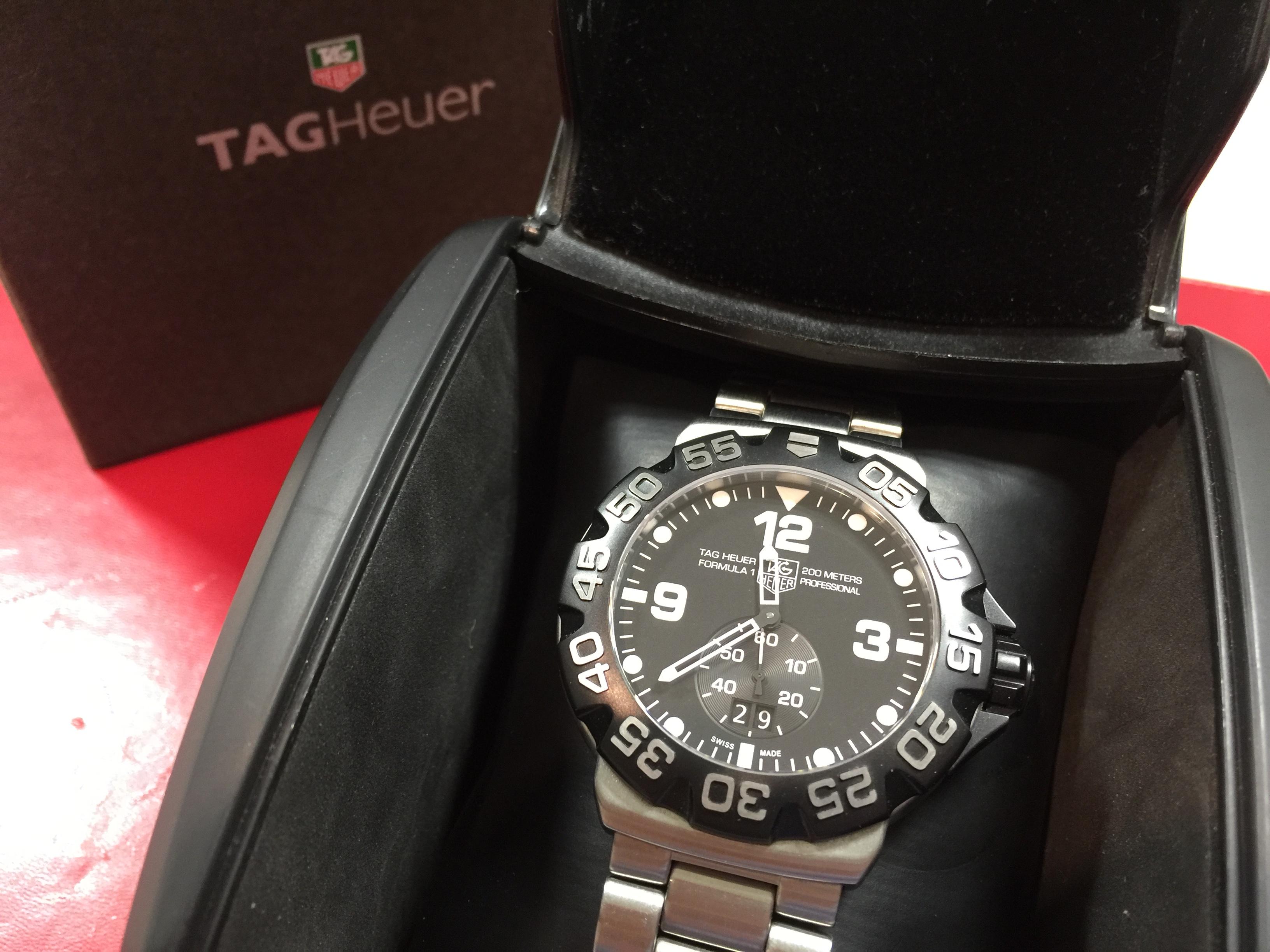 タグホイヤー TAG HEUER フォーミュラー1 ビッグデイト WAH1010