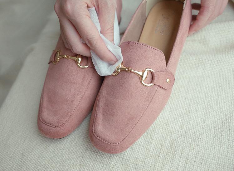 保養鞋子小秘訣,金屬配件經常擦拭並保持乾燥