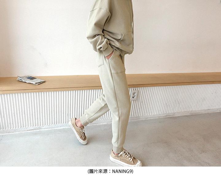 奶茶色帆布鞋