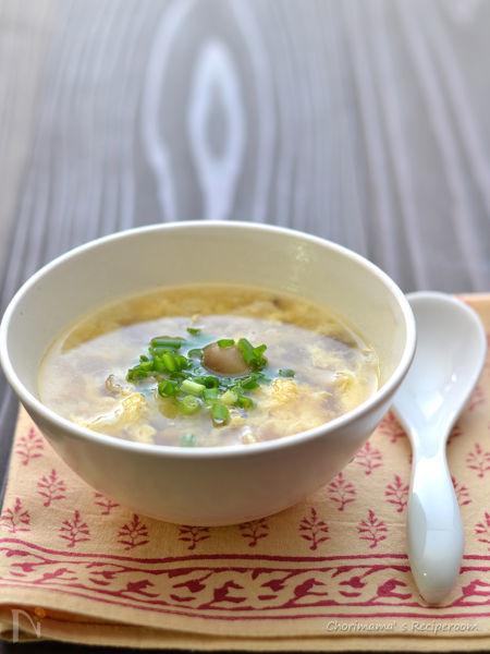 冷凍しめじの卵スープ。