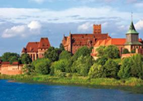 画像:9月 マルボルクのドイツ騎士団の城(ポーランド) 魅惑の世界遺産 2017年版カレンダー