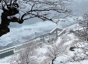 画像:冬の信越本線の写真/11-12月 ローカル線紀行 2017年版カレンダー