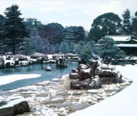 画像:11-12月 清流園(京都) 四季の庭 2018年カレンダー
