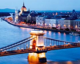 画像:11-12月 ハンガリー ヨーロッパ 2018年カレンダー