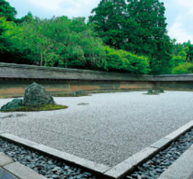画像:5-6月 龍安寺(京都) 庭(フィルムカレンダー) 2018年カレンダー