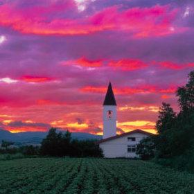 画像:5-6月 夕焼けの塔(北海道 美瑛町) 四季・前田真三(フィルムカレンダー) 2018年カレンダー