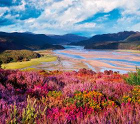 画像:7-8月 スノードニア国立公園(イギリス) ヨーロッパの旅 2018年カレンダー