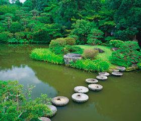 画像:7月 依水園(奈良) 庭・四季詩情 2018年カレンダー