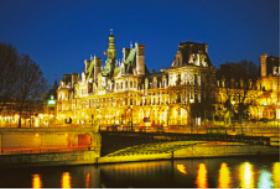 画像:9月 パリ市庁舎(フランス) エンドレスシティ・世界の夜景 2018年カレンダー