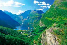 画像:5月 西ノルウェーフィヨルド(ノルウェー) ユネスコ世界遺産 2018年カレンダー
