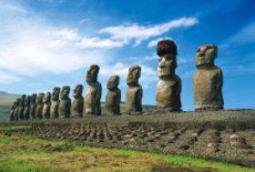 画像:6月 ラパ・ヌイ国立公園(チリ) ユネスコ世界遺産 2018年カレンダー