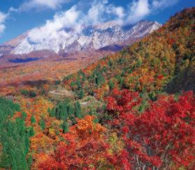 画像:9-10月 紅葉の鍵掛峠より大山南壁(鳥取) 四季彩峰 2018年カレンダー