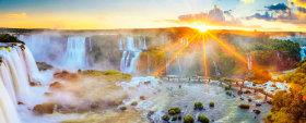 画像:7-8月 イグアスの滝(アルゼンチン/ブラジル) 世界遺産 2018年カレンダー