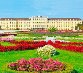 画像:7-8月 シェーンブルン宮殿(オーストリア) ヨーロッパ風景 2018年カレンダー