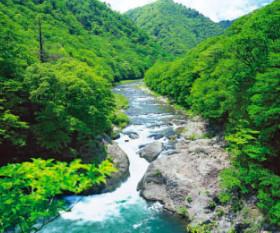 画像:5月 塩原渓谷(栃木) 美しき日本 2018年カレンダー