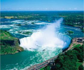画像:4月 ナイアガラの滝(カナダ) 世界の景観 2018年カレンダー