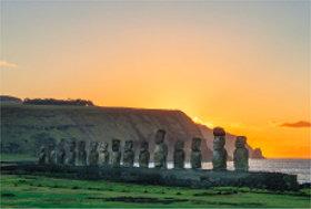 画像:9月 ラパ・ネウィ国立公園(チリ) 文化遺産の旅(ユネスコ世界遺産) 2018年カレンダー