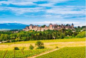 画像:5月 カルカッソンヌ(フランス) 文化遺産の旅(ユネスコ世界遺産) 2018年カレンダー