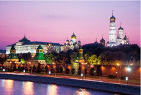 画像:7月 クレムリン(ロシア) 文化遺産の旅(ユネスコ世界遺産) 2018年カレンダー