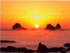 画像:12-1月(翌年) 田原海岸(和歌山) 彩り日本(12月はじまり) 2018年カレンダー