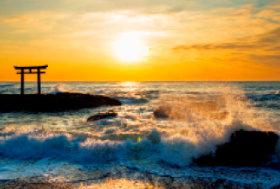 画像:3月 大洗海岸(茨城) 輝く太陽 2018年カレンダー