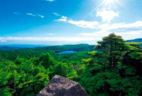 画像:8月 北八ヶ岳 高見石より(長野) 輝く太陽 2018年カレンダー