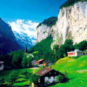 画像:7-8月 ラウターブルンネン(スイス) ワイドヨーロッパ(フィルムカレンダー) 2018年カレンダー