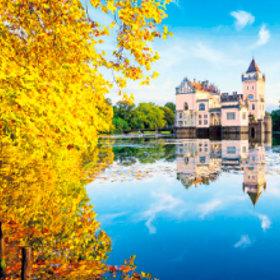 画像:9-10月 アニフ城(オーストリア) ワイドヨーロッパ(フィルムカレンダー) 2018年カレンダー