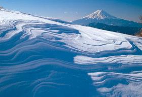 画像:1-2月 雪紋(山梨) 富士の四季 2018年カレンダー