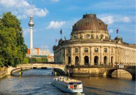 画像:9月 ベルリンのゼウムスインゼル(ドイツ) 魅惑の世界遺産 2018年カレンダー