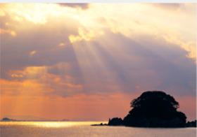 画像:1月 けあらしの弓ヶ浜海岸(静岡) 天地自然・森田敏隆写真集 2018年カレンダー