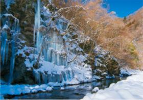 2月 三十槌の氷柱(埼玉) 天地自然・森田敏隆写真集 2018年カレンダーの画像